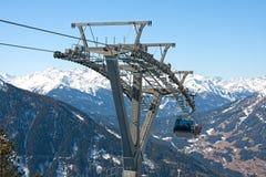 Alpin gondolskidlift Royaltyfri Bild