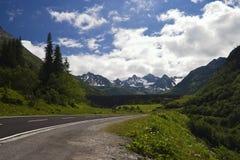 alpin hög silvrettagata arkivfoton