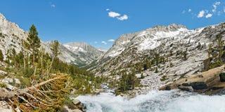 Alpin landskappanorama Arkivbilder