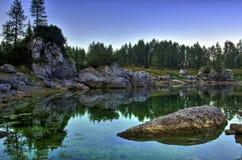 Alpin sjö III Fotografering för Bildbyråer