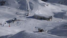 Alpin skida-semesterort Zugspitzplatt stock video