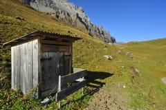Alpin toalett Arkivfoton