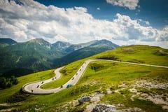 Alpin väg Fotografering för Bildbyråer