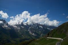 Alpin väg för Grossglockner kick, Österrike royaltyfri bild