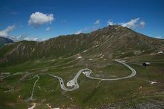 Alpin väg för Grossglockner kick, Österrike royaltyfri fotografi