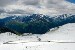 Alpin väg för Grossglockner kick, Österrike arkivfoto