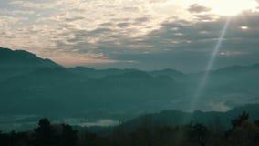 Alpina landskap 4 stock video