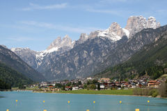 Alpine lake of auronzo and mountains Royalty Free Stock Photography