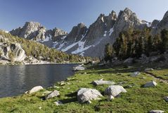 Alpine lake in Sierra Nevada Royalty Free Stock Photos