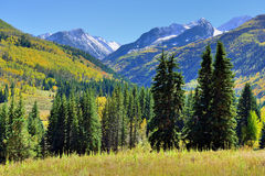 Alpine landscape with snow covered mountains in Colorado during foliage Royalty Free Stock Photos