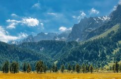 Alpine Landschaft auf der italienischen Seite stockbilder