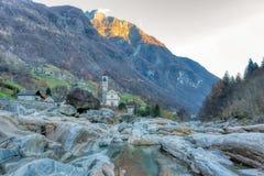 Alpine Landschaft auf der italienischen Seite stockfoto