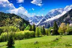 Alpine Landschaft auf der italienischen Seite lizenzfreies stockbild