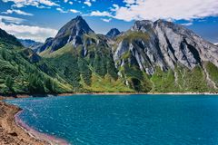Alpine Landschaft auf der italienischen Seite stockbild