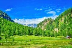 Alpine Landschaft auf der italienischen Seite stockfotos
