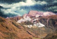 Alpine Landschaft auf der italienischen Seite lizenzfreie stockfotos