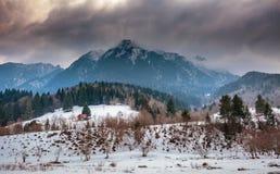 Alpine Landschaft in der Winterzeit Lizenzfreie Stockfotos
