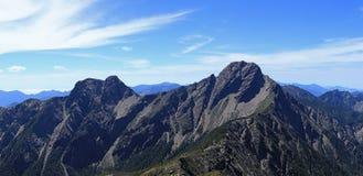 Alpine Landschaft des Sommers in yushan Lizenzfreie Stockbilder