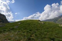 Alpine Landschaft früh morgens Lizenzfreie Stockfotos