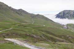 Alpine Straße in Richtung zu Col. du Tourmalet Lizenzfreies Stockfoto
