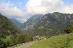 Alpine village Hinterbichl (muncipal Pragraten am Grossvenediger) with mountains, Austria Royalty Free Stock Photos