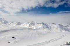 Alpine Winterberglandschaft Französische Alpen mit Schnee lizenzfreies stockbild
