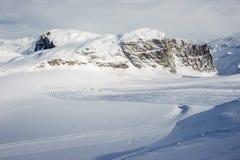 Alpine Winterberglandschaft Französische Alpen mit Schnee lizenzfreie stockbilder
