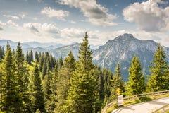 Alpiner Bergblick lizenzfreies stockfoto