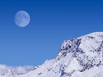 Alpiner Mond Stockfoto