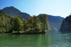 Alpiner See, Österreich stockfotos