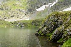 Alpiner See lizenzfreies stockbild