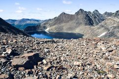 Alpiner See in Dientes de Navarino in Chile, Patagonia lizenzfreie stockfotografie