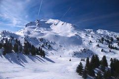 Alpiner Skiort Stockbild