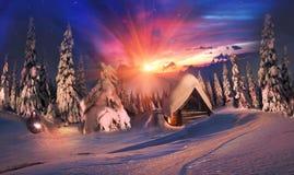 Alpiner Sonnenaufgang der Schönheit Lizenzfreie Stockfotos