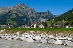 Alpines Dorf Stockbilder
