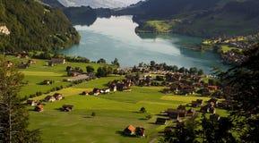 Alpines Dorf - die Schweiz Lizenzfreies Stockfoto