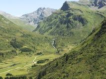 Alpines Gebirgsmassiv, schöne alpine Schlucht in Österreich Alpines Gastein-Tal im Sommer Lizenzfreies Stockbild