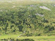 Alpines Gebirgsmassiv, schöne alpine Schlucht in Österreich Alpines Gastein-Tal im Sommer Stockfotos