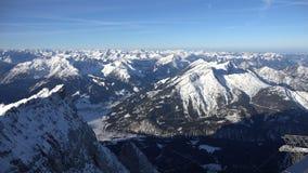 Alpines Panorama vom Zugspitze stock footage