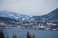Alpines Tal lizenzfreies stockbild