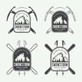 Alpinismo del vintage y logotipos de las expediciones, insignias, emblemas y elementos árticos del diseño Foto de archivo
