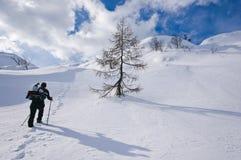 Alpinismo della donna Fotografie Stock Libere da Diritti