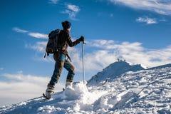 Alpinismo dello sci in montagne Immagine Stock Libera da Diritti