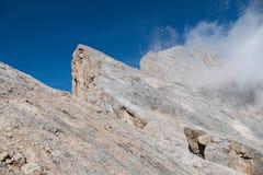 Alpinismo in ghiacciaio di marmolada in dolomia Immagini Stock