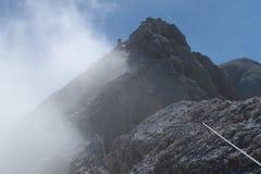 Alpinismo in ghiacciaio di marmolada in dolomia Fotografie Stock Libere da Diritti