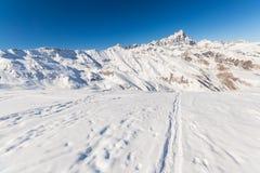 Alpinismo in neve fresca Fotografie Stock Libere da Diritti