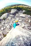 Alpinista in casco Immagine Stock Libera da Diritti