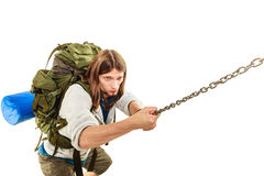 Alpinista che fa un'escursione la montagna rampicante della roccia Fotografia Stock