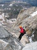 Alpinista che rappelling Immagine Stock Libera da Diritti