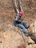 Alpinista che si arrampica in su Fotografie Stock Libere da Diritti
